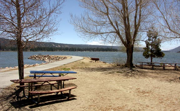The point at the Morrison boat launch ramp is a great spot to relax and enjoy the lake. © Rick Keppler